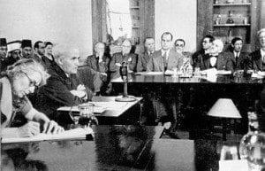 דוד בן-גוריון מעיד בפני ועדה החיקרה האנגלו-אמריקאית